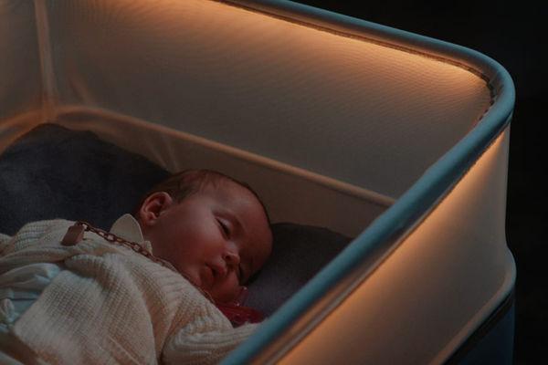 Η hi-tech κούνια της Ford που κοιμίζει τα μωρά σαν να βρίσκονται σε αυτοκίνητο (Βίντεο)   imommy.gr