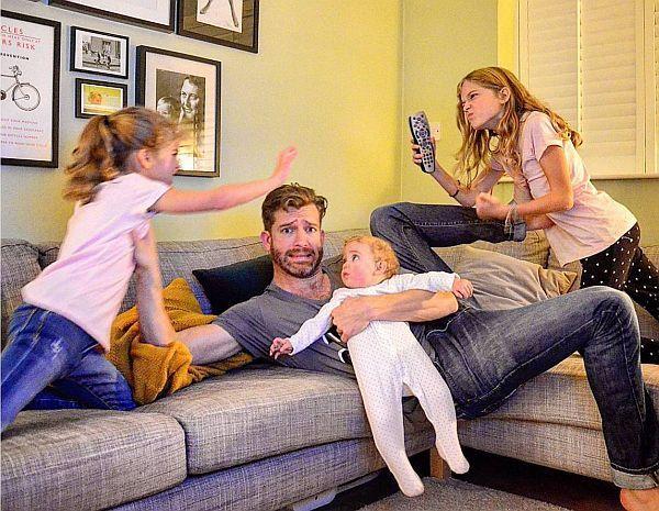 Φωτογραφίες: Πως είναι να είσαι μπαμπάς τεσσάρων κοριτσιών; | imommy.gr