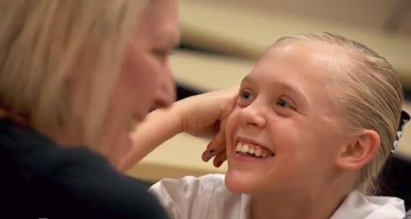 Βίντεο: Η συγκινητική αντίδραση ενός παιδιού, που μόλις έμαθε ότι θα υιοθετηθεί! | imommy.gr