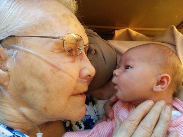 Γιαγιάδες και εγγόνια: μια τρυφερή σχέση | imommy.gr