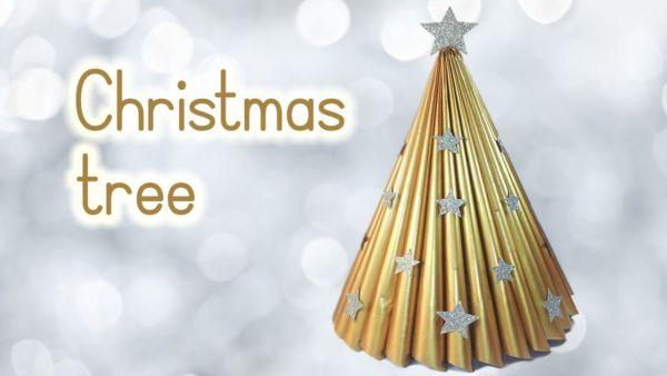 Φτιάξτε εύκολα χριστουγεννιάτικο δεντράκι από φυλλάδιο (βίντεο) | imommy.gr
