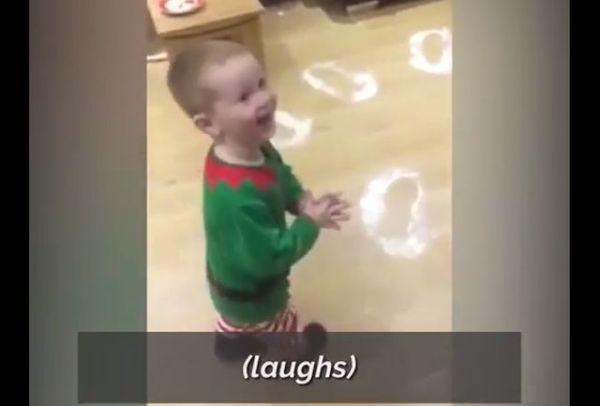 Η απίστευτη αντίδραση ενός πιτσιρικά όταν βλέπει τα δώρα του Αϊ Βασίλη | imommy.gr