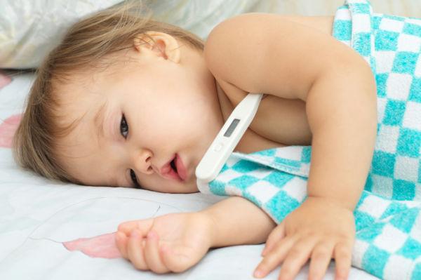 Πυρετός: Πώς να πάρετε σωστά την θερμοκρασία του μωρού   imommy.gr