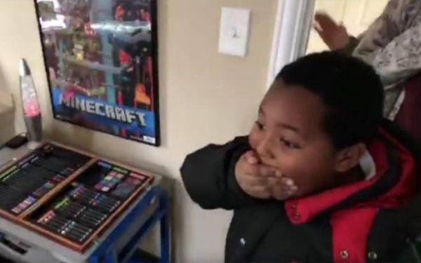 8χρονο άστεγο αγόρι αποκτά για πρώτη φορά το δικό του δωμάτιο | imommy.gr