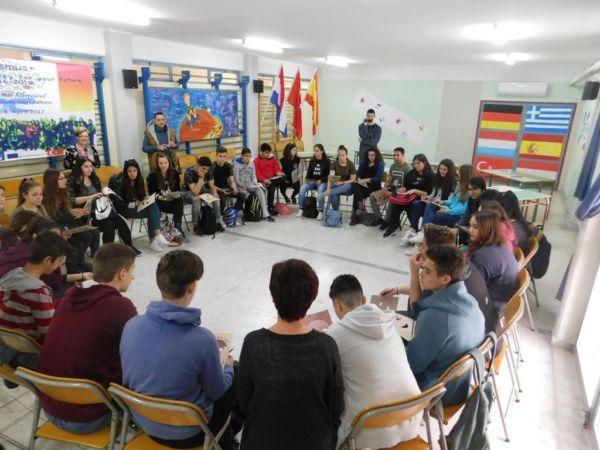 Τι είναι το πρόγραμμα Erasmus+; Μια καθηγήτρια μας εξηγεί | imommy.gr