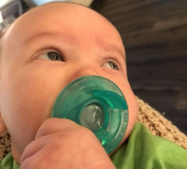 Το μωρό βγάζει δοντάκια… Αυτό το κόλπο σίγουρα θα το ανακουφίσει   imommy.gr