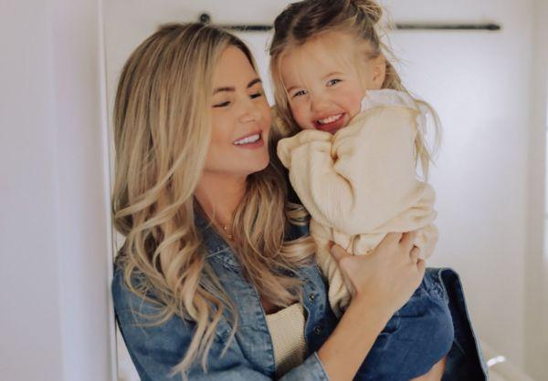 Γιατί οι γυναίκες με παιδιά κινδυνεύουν περισσότερο να χάσουν τα δόντια τους; | imommy.gr