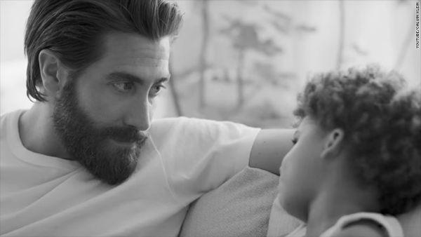 Τζέικ Τζίλενχαλ: Ένας αιώνιος «μπαμπάς» | imommy.gr