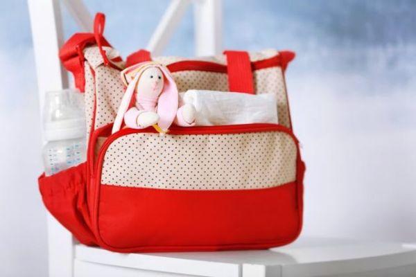 Η λίστα με τα απαραίτητα για την τσάντα της βόλτας | imommy.gr