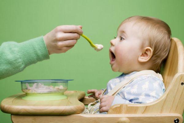 Όταν το παιδί είναι έτοιμο για στερεά τροφή | imommy.gr