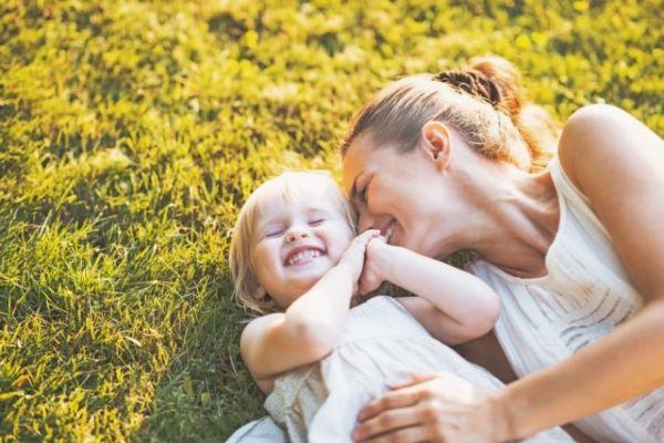 Δέκα συνήθειες που έχουν οι χαρούμενες μαμάδες | imommy.gr