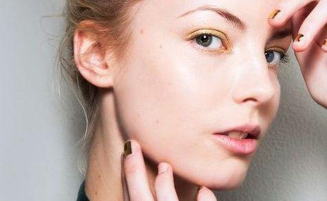 Μειώστε ρυτίδες και πρηξίματα κάνοντας μασάζ στο πρόσωπό σας | imommy.gr