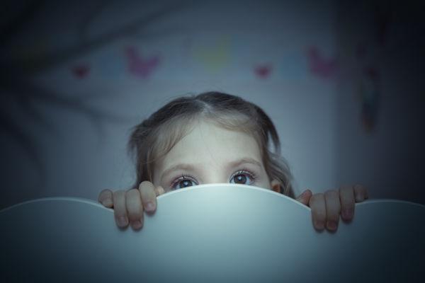 Έτσι θα βοηθήσετε το νήπιο να ξεπεράσει τις φοβίες του | imommy.gr