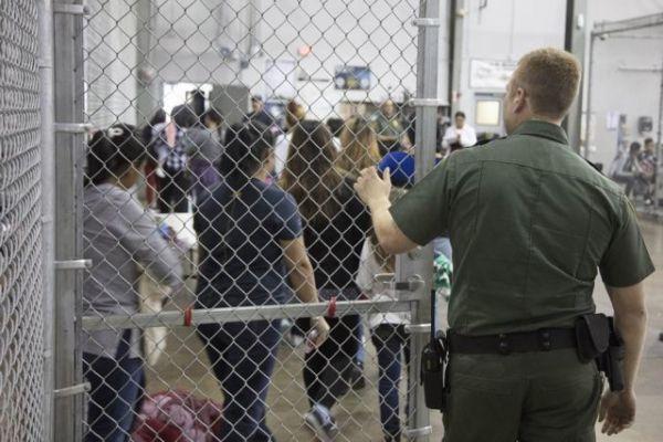 Παιδιά κλαίνε με λυγμούς ενώ τα χωρίζουν από τους γονείς τους στα σύνορα των ΗΠΑ [Ηχητικό] | imommy.gr
