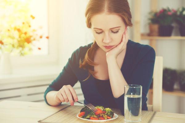 Μήπως παχαίνετε επειδή δεν τρώτε αρκετά; | imommy.gr