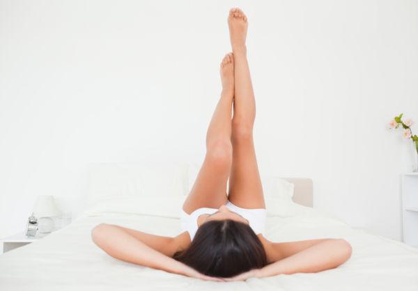 Γυμνασμένη κοιλιακοί σε 5 λεπτά χωρίς να σηκωθείτε από το κρεβάτι σας | imommy.gr