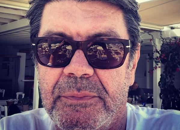 Γιάννης Λάτσιος: Διακοπές στην Πάρο με τις κόρες του | imommy.gr