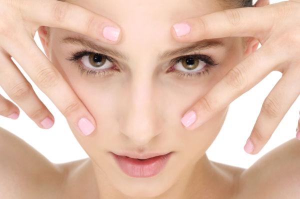 Πέντε κοινές αιτίες που κάνουν το δέρμα σας λιπαρό | imommy.gr