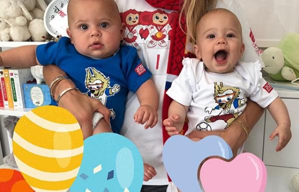 Άννα Κουρνίκοβα-Ενρίκε Ιγκλέσιας: Τα δίδυμα παιδιά τους σε ρυθμούς Μουντιάλ | imommy.gr