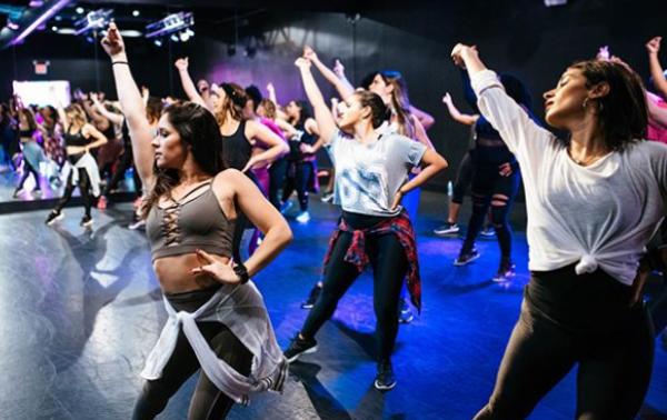 Χορογραφία για να νιώσετε σέξι και να κάψετε θερμίδες | imommy.gr