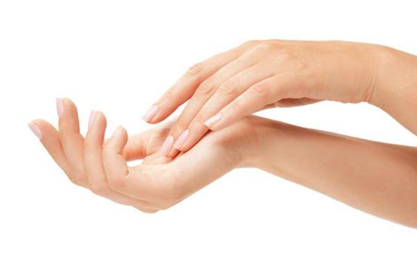 Φτιάξτε μόνη σας αντιγηραντική κρέμα χεριών | imommy.gr