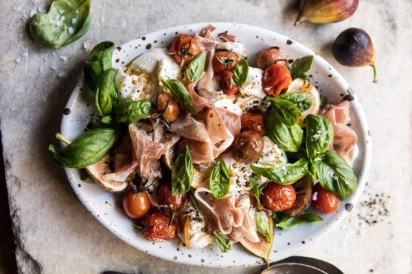 Σαλάτα με πένες και προσούτο   imommy.gr