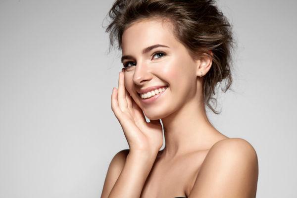 Θεραπεία για το λιπαρό δέρμα με δύο υλικά που ήδη έχετε | imommy.gr