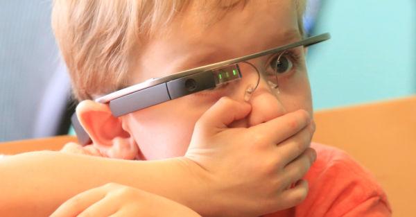 «Έξυπνα» γυαλιά βοηθούν τα παιδιά με αυτισμό να αντιληφθούν τα συναισθήματα | imommy.gr