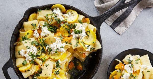 Ζυμαρικά στο τηγάνι με κολοκύθι και τυρί | imommy.gr