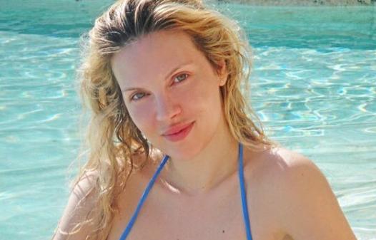 Χριστίνα Αλούπη: Διακοπές στη Σκόπελο με φουσκωμένη κοιλίτσα | imommy.gr