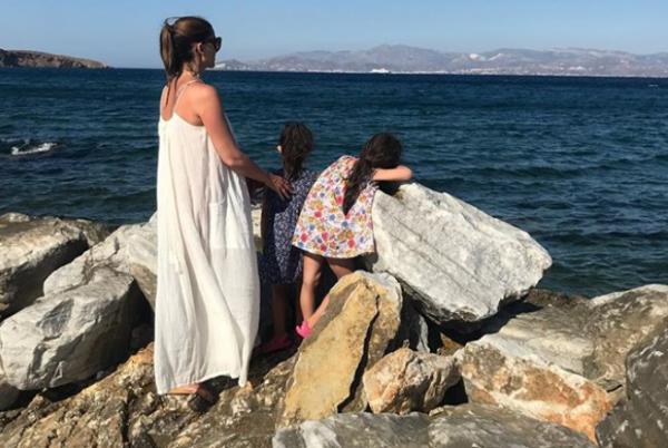 Σταματίνα Τσιμτσιλή: Καλοκαιρινές διακοπές με τα τρία παιδιά της | imommy.gr