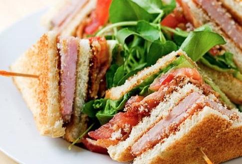 Φτιάξτε σπιτικό κλαμπ σάντουιτς | imommy.gr