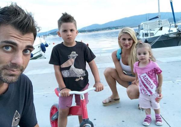 Στέλιος Χανταμπάκης: Καλοκαιρινές στιγμές με τον γιο του | imommy.gr