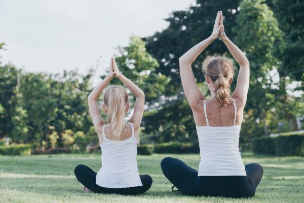 Γυμναστείτε με το παιδί σας κάνοντας γιόγκα | imommy.gr