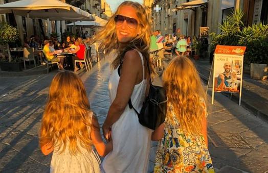 Σάρα Τζέσικα Πάρκερ: Δείτε τα τρία παιδιά της στο δρόμο για το σχολείο | imommy.gr