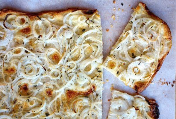 Πίτσα με κρεμμύδια | imommy.gr