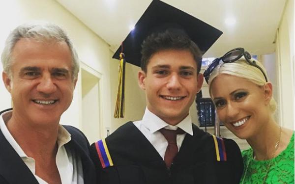 Μαρία Μπακοδήμου-Δημήτρης Αργυρόπουλος: Αποχαιρέτησαν τον γιο τους που φεύγει για σπουδές στο εξωτερικό | imommy.gr