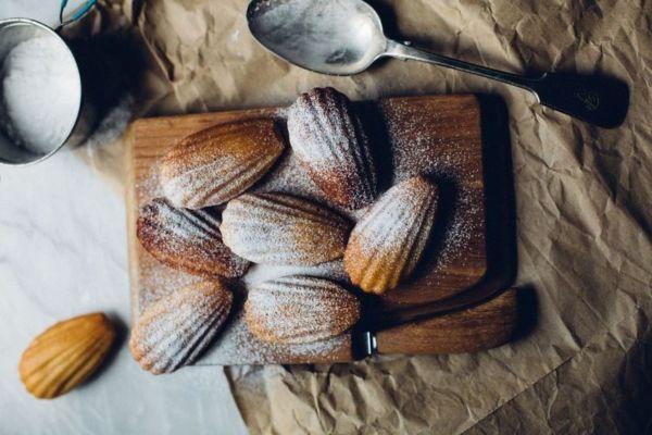 Εύκολη συνταγή για αφράτα μαντλέν | imommy.gr