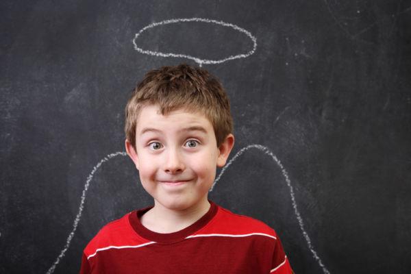 Το παιδί φέρεται υπερβολικά καλά στο σχολείο. Να ανησυχήσω; | imommy.gr