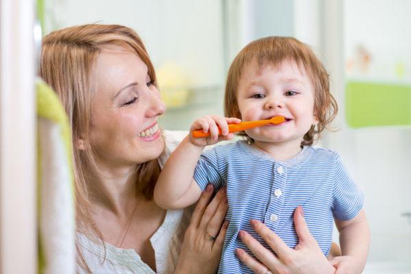 Οι πιο κλασικές απορίες για τα μωρουδιακά δόντια | imommy.gr