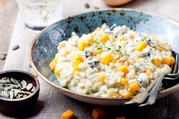 Ρύζι με μπλε τυρί και αγγούρι | imommy.gr