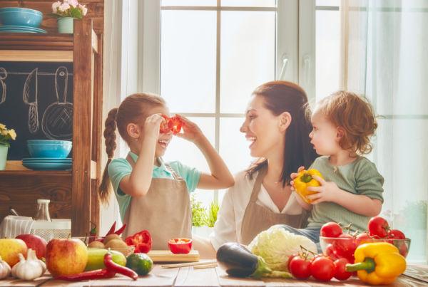 Πώς θα κάνετε τα φρούτα και λαχανικά πιο φιλικά | imommy.gr