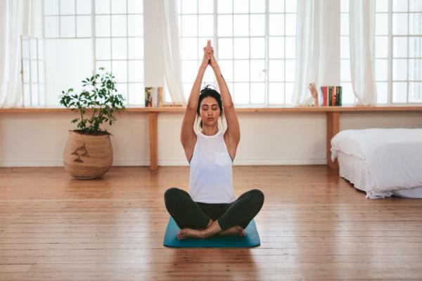 Ασκήσεις γιόγκα για χαλάρωση και καλύτερο ύπνο | imommy.gr