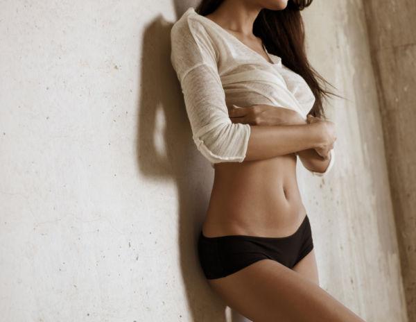 Σύντομο πρόγραμμα γυμναστικής για σώμα «κλεψύδρα» | imommy.gr