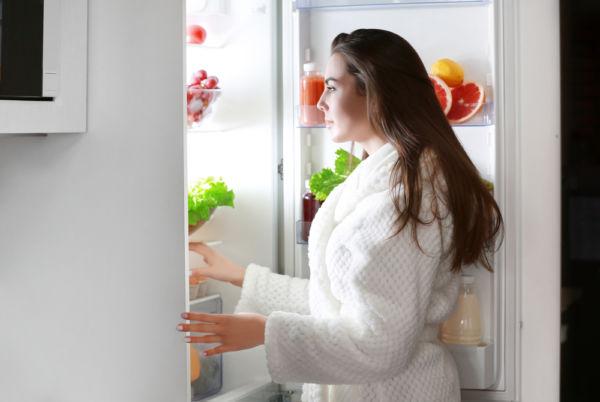 Παχαίνετε πράγματι αν τρώτε αργά τη νύχτα; | imommy.gr