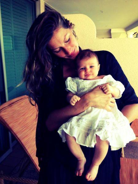 Ζιζέλ Μπούντχεν: Μια ευτυχισμένη μαμά | imommy.gr
