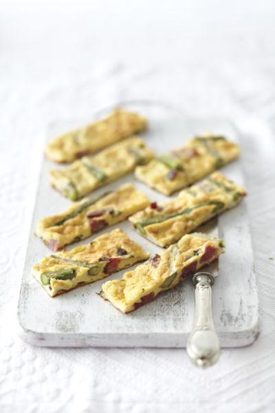 Φριτάτα με σπαράγγια και χοιρομέρι | imommy.gr
