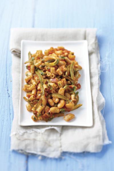 Φασόλια με κολοκυθάκια και ζυμαρικά | imommy.gr