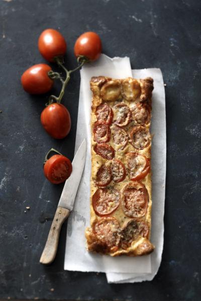 Πίτα χωρίς φύλλο με ντομάτες και κατσικίσιο τυρί | imommy.gr