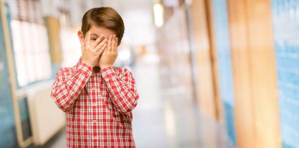 Πώς να στηρίξετε το παιδί άμεσα σε ένα τραυματικό γεγονός | imommy.gr